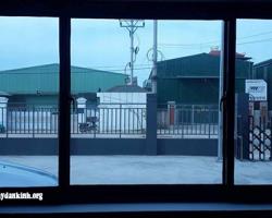 Chọn phim cách nhiệt trang trí cửa kính