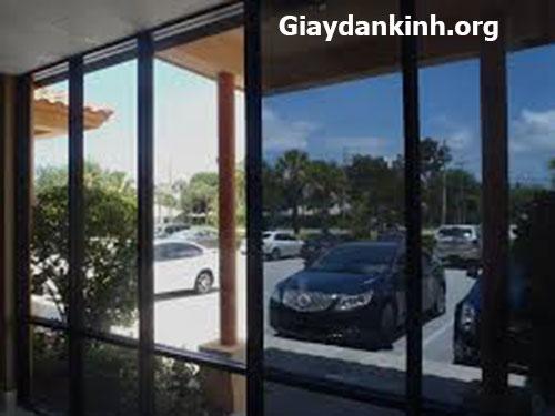 dán kính phản quang chống nắng cho cửa kính