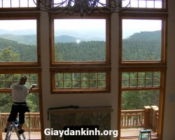 Giấy dán cửa kính chống nắng đặc biệt cho nhà kính