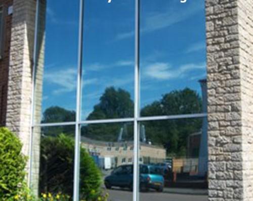 Giấy dán kính che nắng cực tốt cho chung cư, gia đình