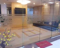 Giấy dán kính cát mờ trang trí văn phòng giá rẻ tại Hà Nội