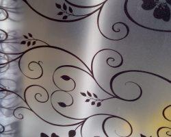 Decal dán kính trang trí phòng khách. mẫu đề can cho phòng khách